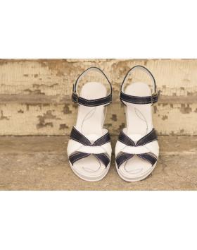 Бели дамски ежедневни сандали 202/18206 в online магазин Fashionzona