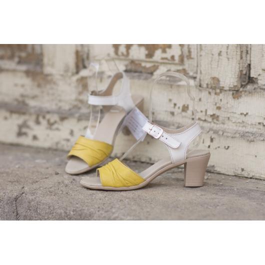 Дамски ежедневни сандали жълти 239