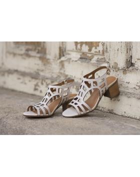 Бежови дамски ежедневни сандали 2084 в online магазин Fashionzona