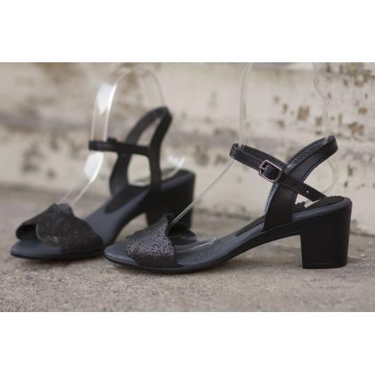 Черни дамски ежедневни сандали Lissa