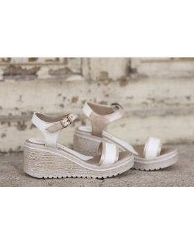 Бели дамски ежедневни сандали 1527 в online магазин Fashionzona