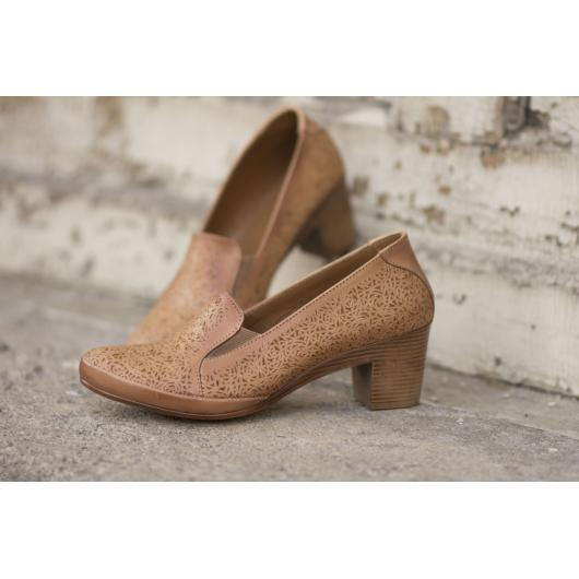 Кафяви дамски ежедневни обувки Naina
