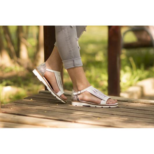Бели дамски ежедневни сандали allyda08 Jullie