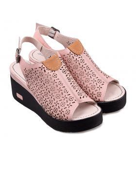 Розови ежедневни сандали 3046 в online магазин Fashionzona