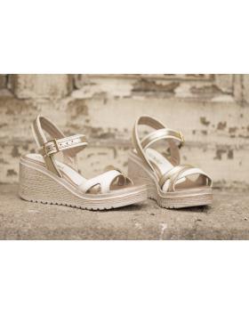 Златисти дамски ежедневни сандали 1735 в online магазин Fashionzona