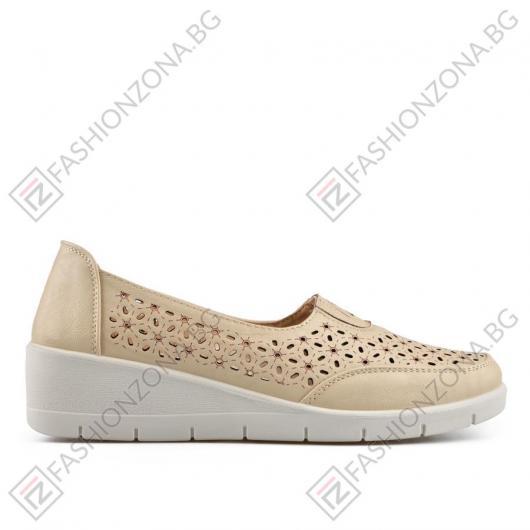 Бежови дамски ежедневни обувки Luziana
