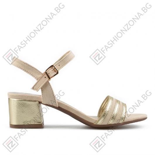 Златисти дамски елегантни сандали Cendrillon