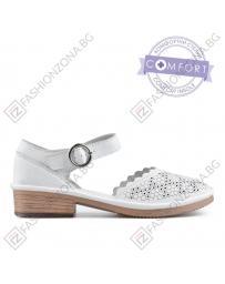 Бели дамски ежедневни сандали Cameron в online магазин Fashionzona