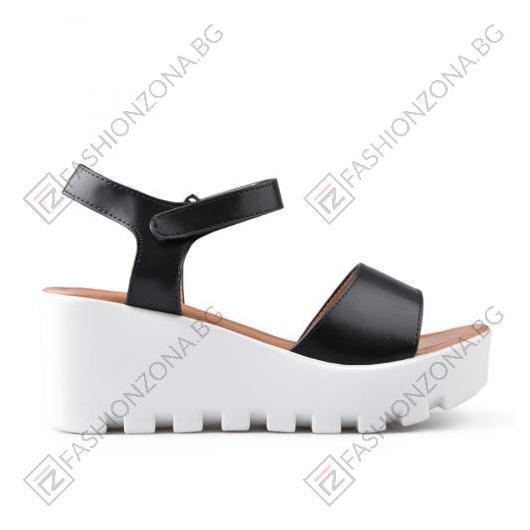Черни дамски ежедневни сандали Kensley