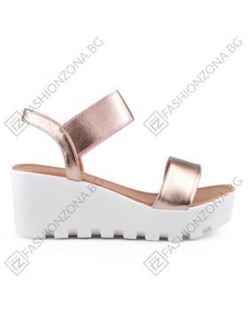 Златисти дамски ежедневни сандали Jessie в online магазин Fashionzona