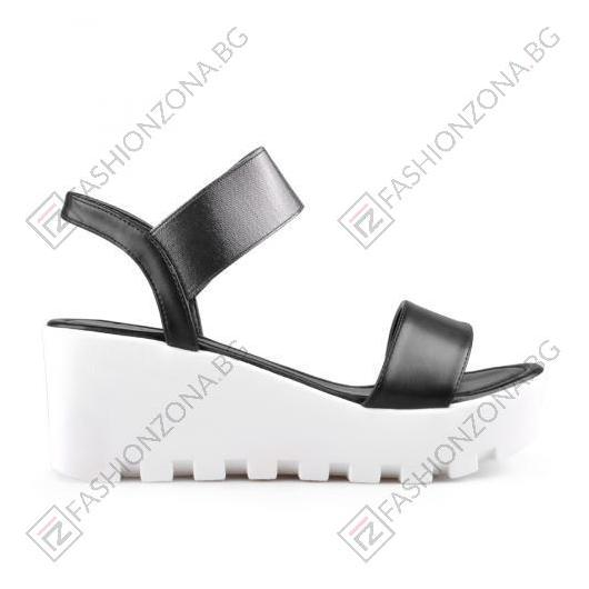 Черни дамски ежедневни сандали Alanna