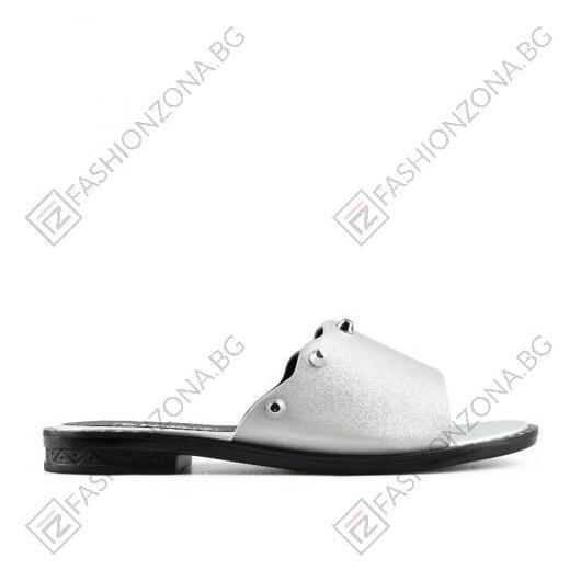 Бели дамски ежедневни чехли Alina