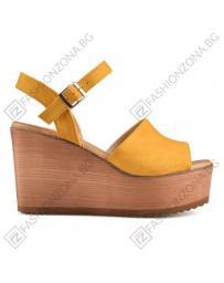 Жълти дамски ежедневни сандали Young в online магазин Fashionzona