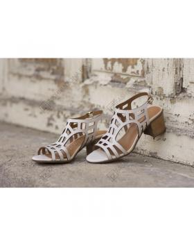 Бежови дамски ежедневни сандали Abigail в online магазин Fashionzona