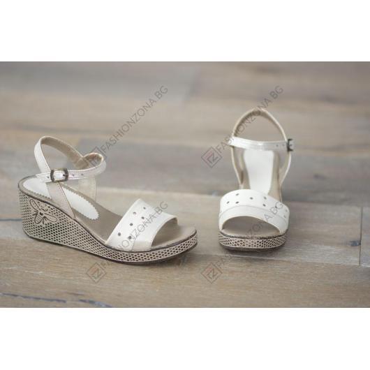 Бежови дамски ежедневни сандали Azalea