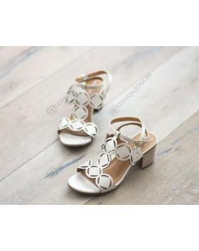 Златисти дамски ежедневни сандали Kaitlyn в online магазин Fashionzona