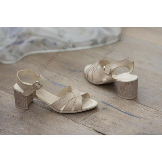 Бежови дамски ежедневни сандали Kimberley