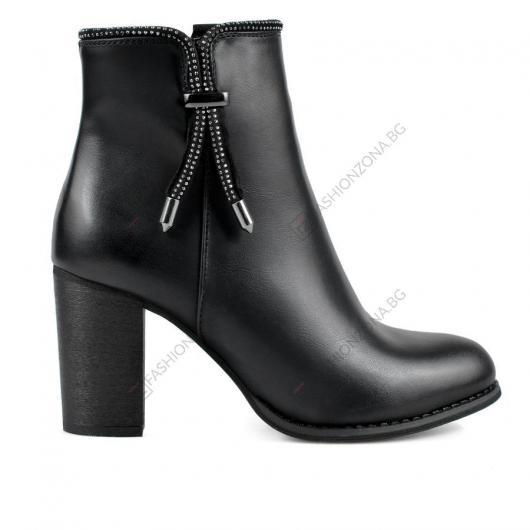 Черни дамски елегантни боти Devante