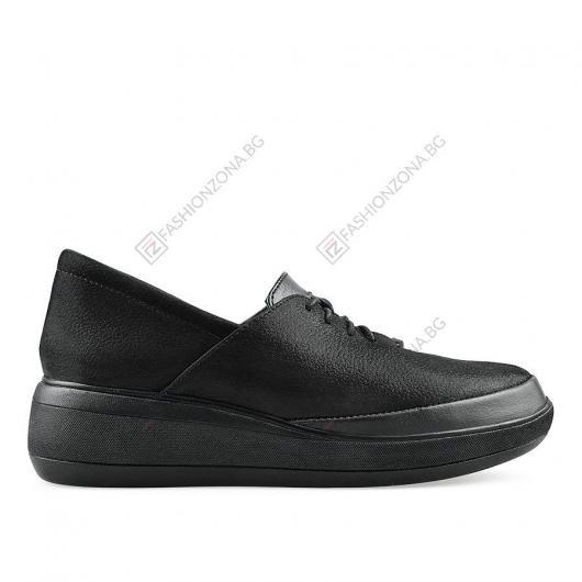 Черни дамски ежедневни обувки Perfecta