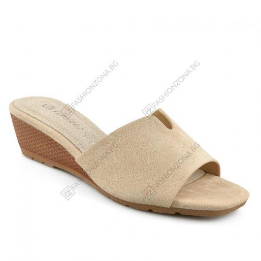 Бежови дамски ежедневни чехли Preciosa