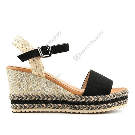 Черни дамски ежедневни сандали Mati