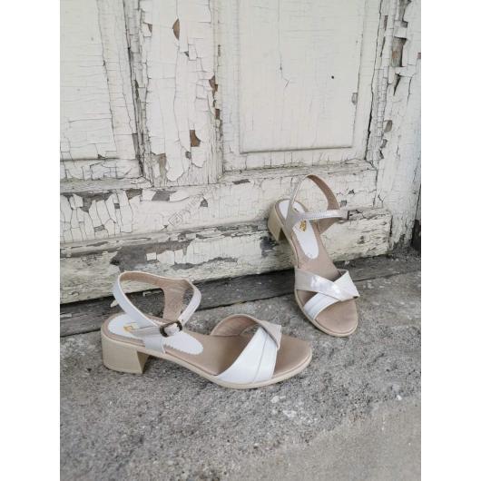 Бежови дамски ежедневни сандали Porcia