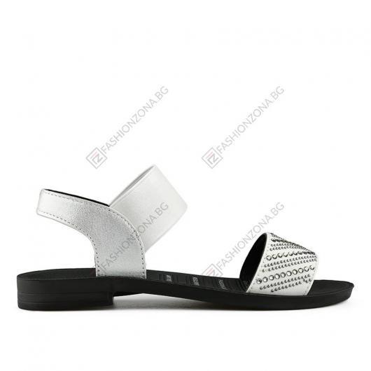 Бели дамски ежедневни сандали Mariana