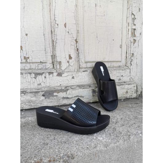 Черни дамски ежедневни чехли Lediana