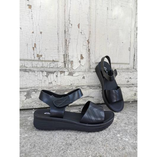 Черни дамски ежедневни сандали Nuria