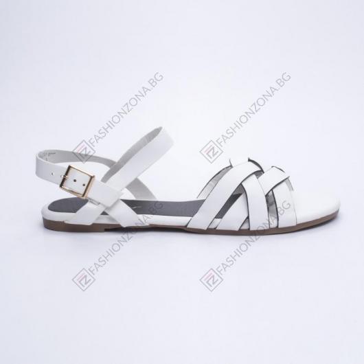 Бели дамски ежедневни сандали Guilla