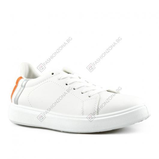 Бели дамски ежедневни обувки Keao