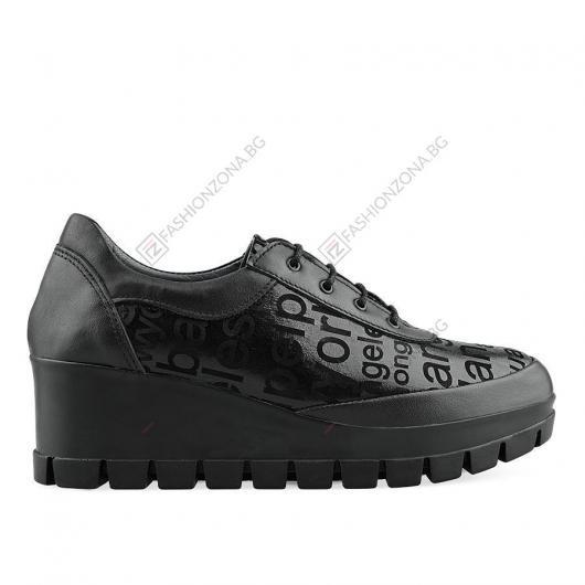 Черни дамски ежедневни обувки Hennie