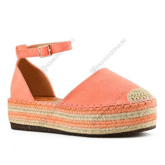 Розови дамски ежедневни сандали Isolde