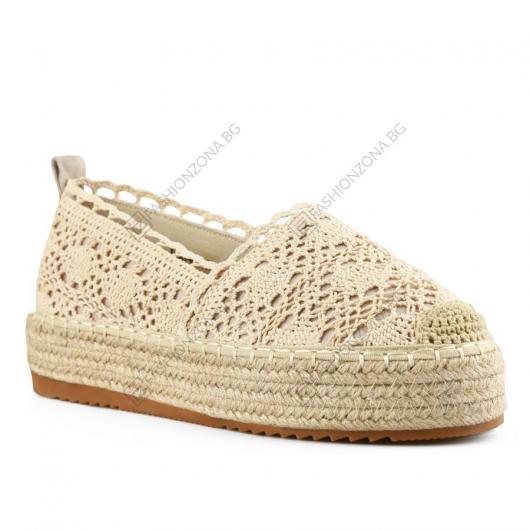 Бежови дамски ежедневни обувки Nakisha