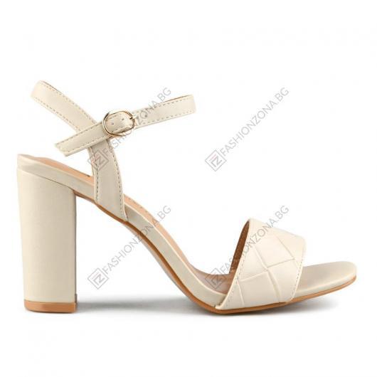 Бежови дамски елегантни сандали Indiana