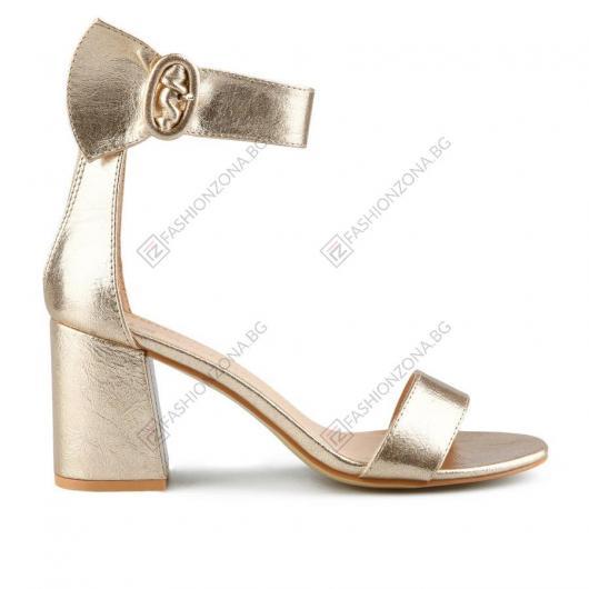 Златисти дамски елегантни сандали Lyubov