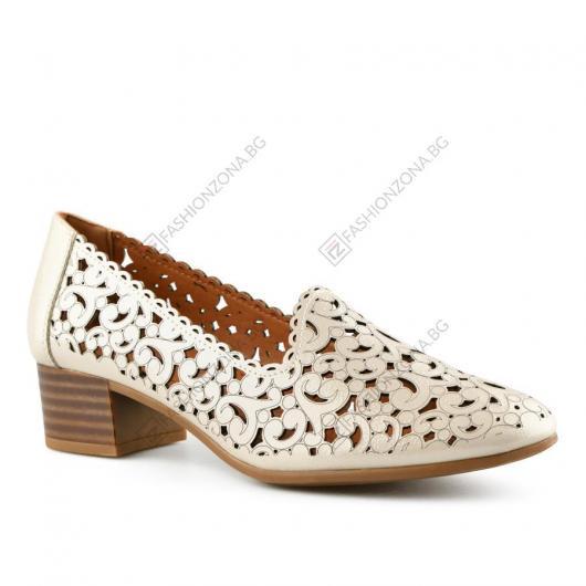 Бежови дамски ежедневни обувки Lavada