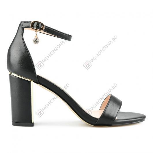 Черни дамски елегантни сандали Marinda