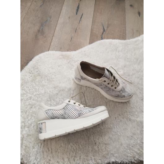 Бежови дамски ежедневни обувки Gerry