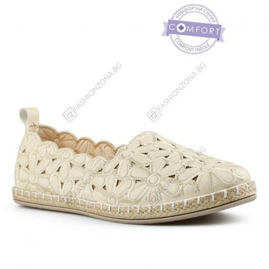 Бежови дамски ежедневни обувки Neves