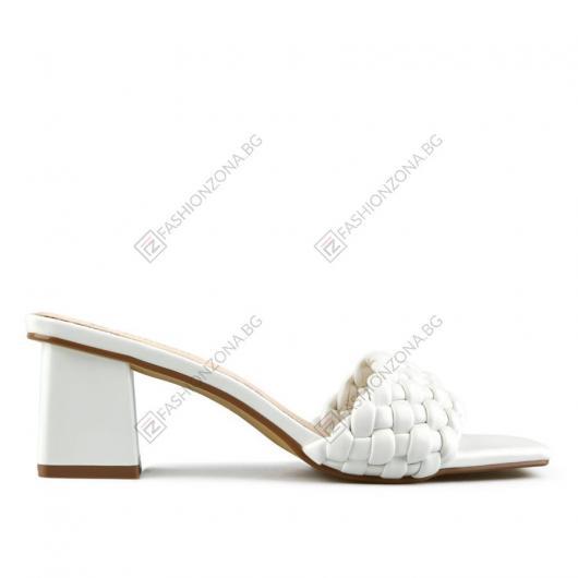 Бели дамски елегантни чехли Delina