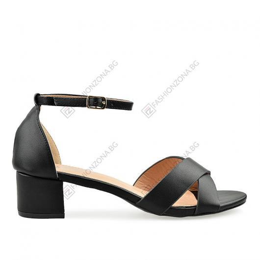 Черни дамски ежедневни сандали Narda