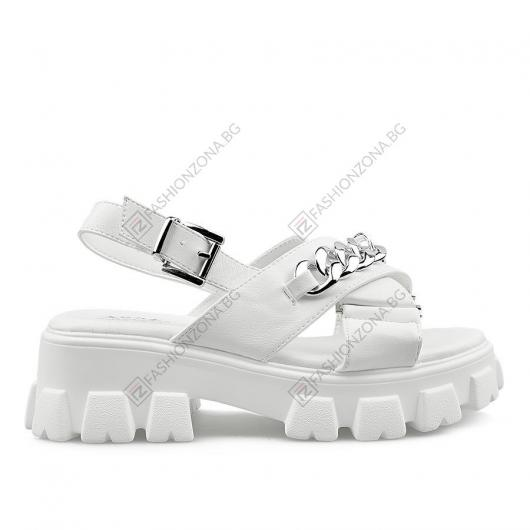 Бели дамски ежедневни сандали Yeva