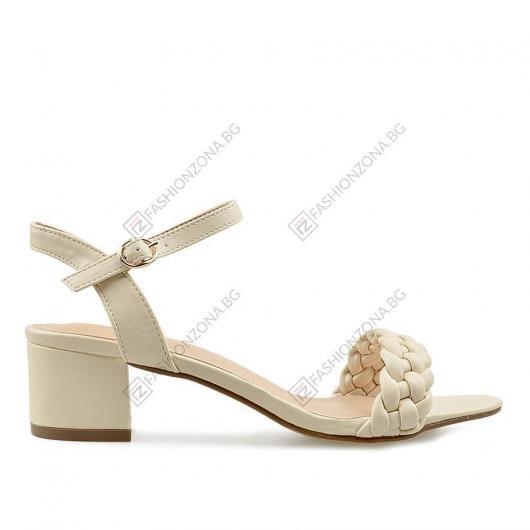 Бежови дамски ежедевни сандали Delu