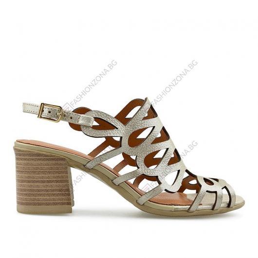 Златисти дамски ежедневни сандали Edlyn