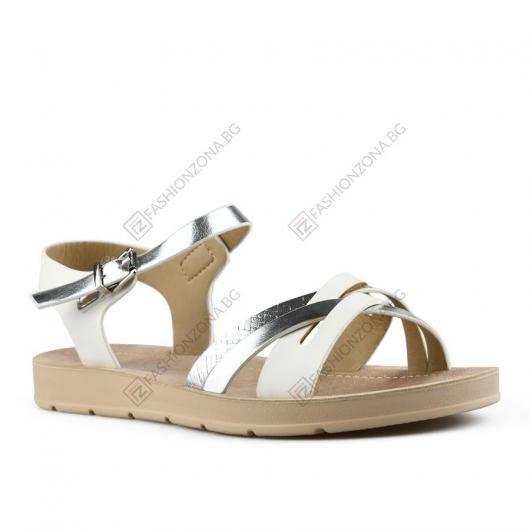 Бели дамски ежедневни сандали Kerttu