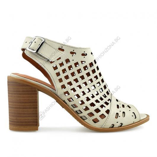 Бежови дамски ежедневни сандали Uliana