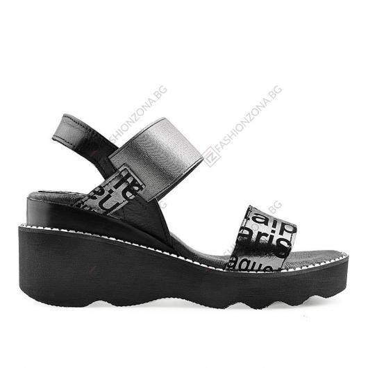 Черни дамски ежедневни сандали Xylia