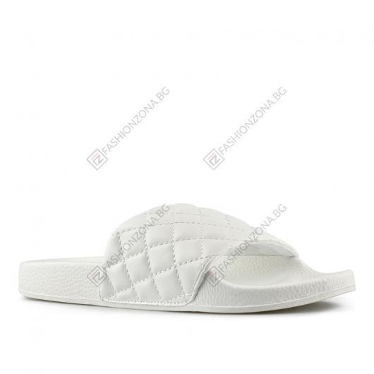 Бели дамски ежедневни чехли Agnetha