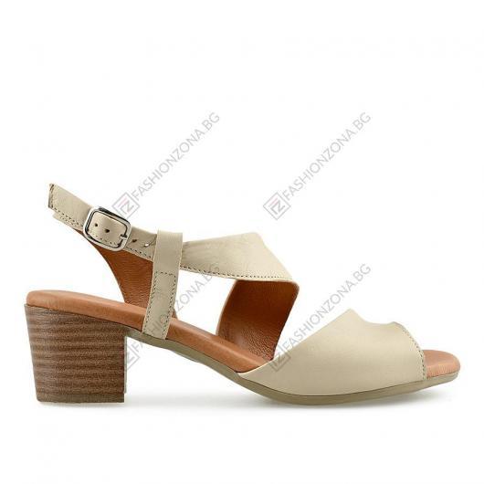 Бежови дамски ежедневни сандали Annag
